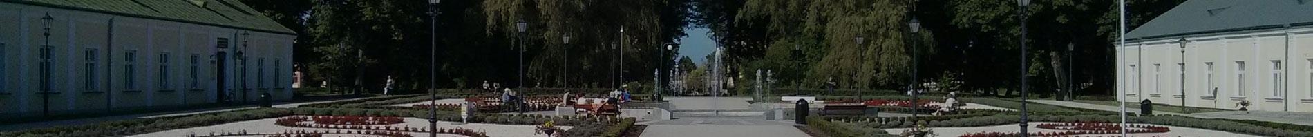 Panorama parku w Końskich